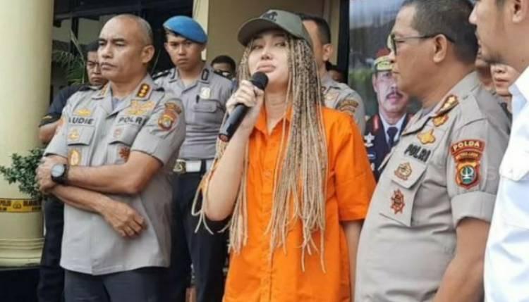 Akibat Lucinta Luna Resmi Ganti Kelamin Secara Hukum, Polisi Bingung Masuk Sel Mana