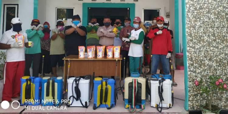 Lurah Bongohulawa, Wijaya Mobonggi Kembali Lakukan Penyemprotan Desinfektan Di Wilayahnya