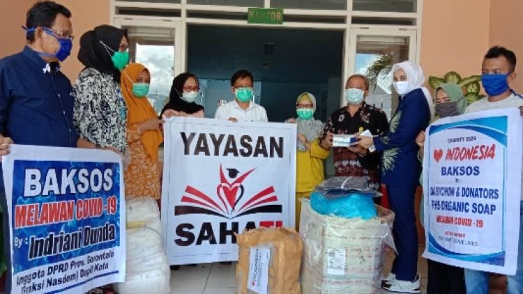 Indriani Dunda Salurkan Bantuan Yayasan Sahati Di RS Aloei Saboe dan 9 Puskesmas di Kota Gorontalo