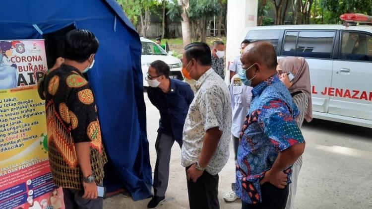 Komisi I Pantau Pelayanan dan Kesiapan Ruangan Pasien Covid-19 di RS Ainun Habibie