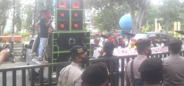 Masyarakat Gelar Unjuk Rasa, Tuntut Bupati Gorontalo Selesaikan Masalah HGU Dungaliyo