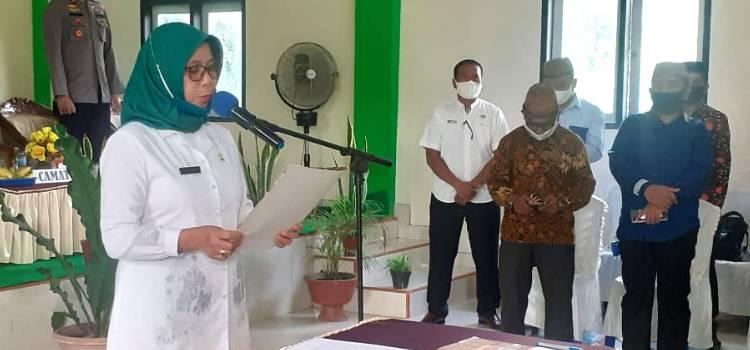 Walaupun Diwarnai Insiden, Hadijah U. Tayeb Lanjutkan Pelantikan 74 BPD Se-Kecamatan Telaga Biru