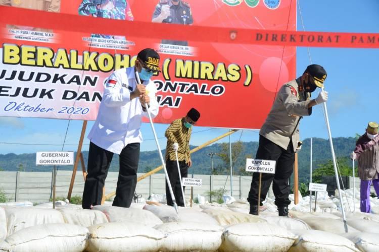 33.342 Liter Miras Cap Tikus Dimusnahkan
