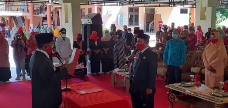 Bupati Darwis Lantik Sherman Moridu Sebagai Sekda Definitif Kabupaten Boalemo