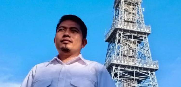 Bantah Peryataan Sekertaris AMPG Kabgor, Reflin Liputo : Pak Rahcmat Gobel Level Urusannya Nasional dan Luar Negeri