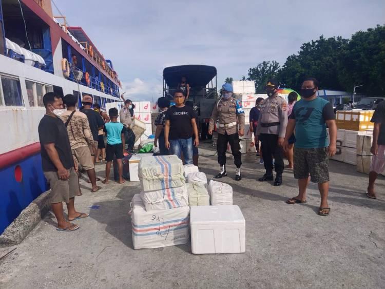 Disembunyikan Di Toilet Kapal, 438 Liter Captikus Diamankan Polres Talaud Di Pelabuhan Lirung Kote