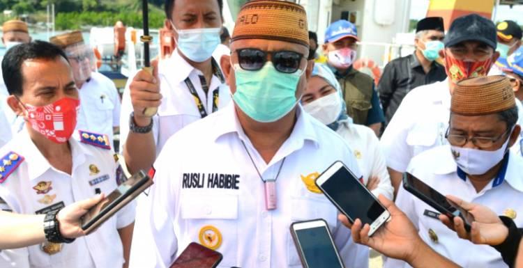 Masyarakat Pulau Dudepo Gelap, Gubernur Gorontalo : Pak Bupati Tolong Percepat Pembebasan Lahan