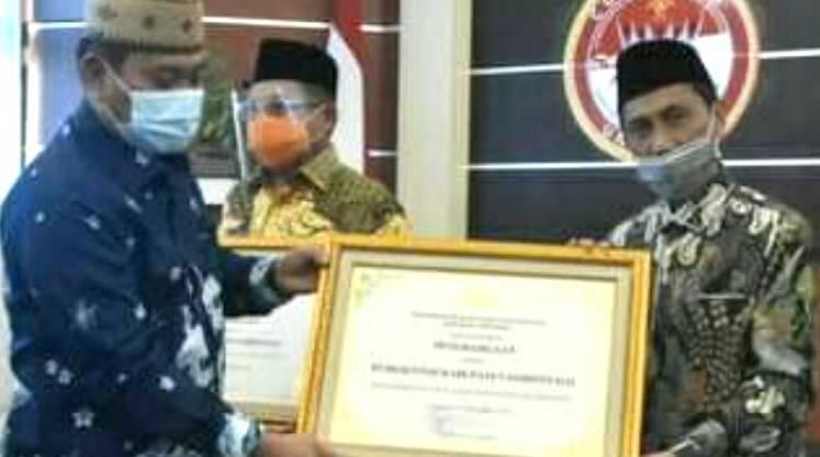 Bupati Kabgor Terima Penghargaan, NP : Perhatikan Hak Orang Lain
