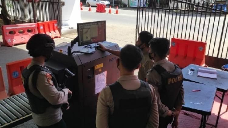 Penjagaan Mako Polda Gorontalo Diperketat