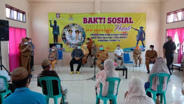 1.216 Kepala Keluarga di Gorut Terima Bantuan Sosial, Indra Yasin : Terima Kasih Pak Gubernur