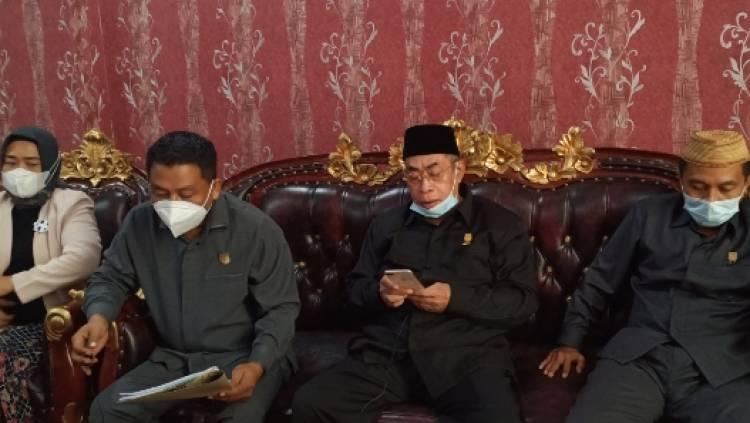 Fraksi Nasdem -  Amanat Ungkap Rekomendasi Tambahan dan Temuan di LKPJ Gubernur
