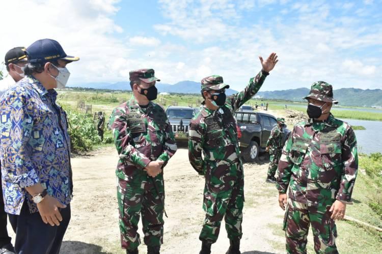 Pangdam XIII/Merdeka Meninjau Pekerjaan Penanganan Danau Limboto