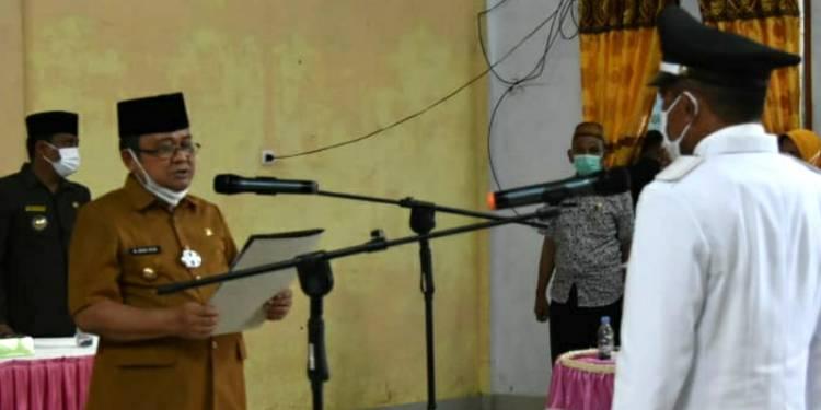 Lantik PAW Kades Tolango, Ini Harapan Indra Yasin Kedepan