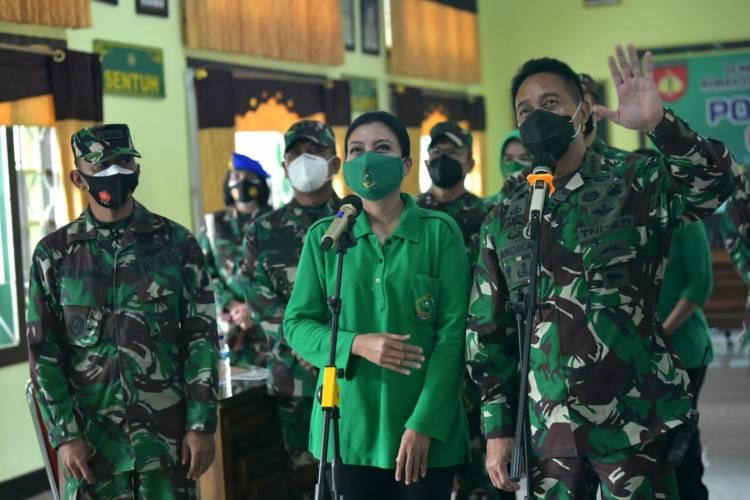 KASAD Bersama Ketua Umum Persit KCK Kunjungi RS. Wolter Monginsidi Manado