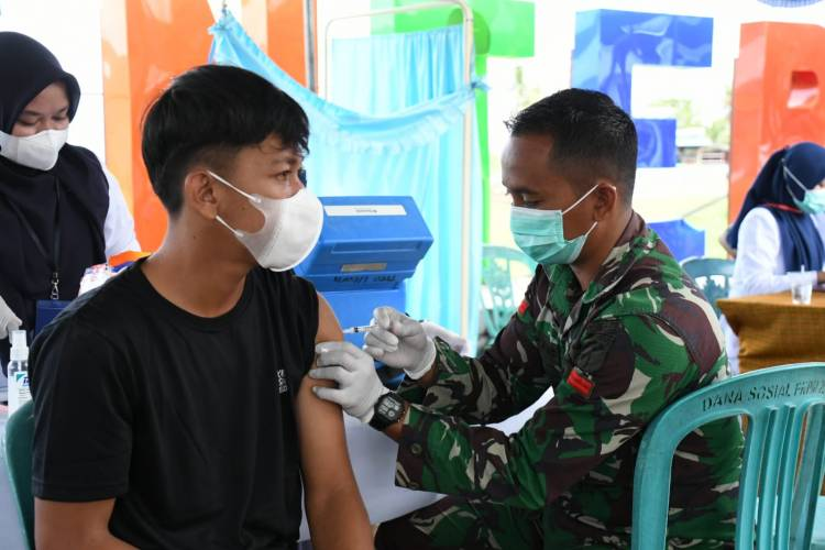 Gencarkan Serbuan Vaksinasi, Korem 133/NW Gandeng Dikes Bone bolango