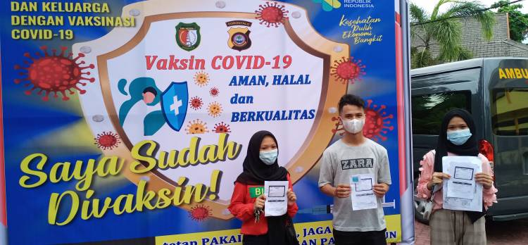 Siswa SMK Negeri I Kota Gorontalo Antusias Ikut Vaksinasi