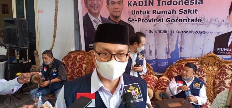 Kadin Gorontalo Bantu Tabung Oksigen Untuk Seluruh Rumah Sakit dan Gelar Vaksinasi Bagi Pelaku UMKM
